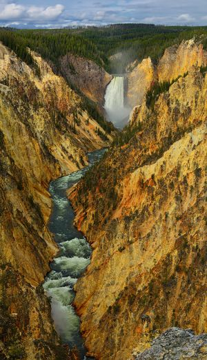 Yellowstone-Vertical-Panorama.jpg
